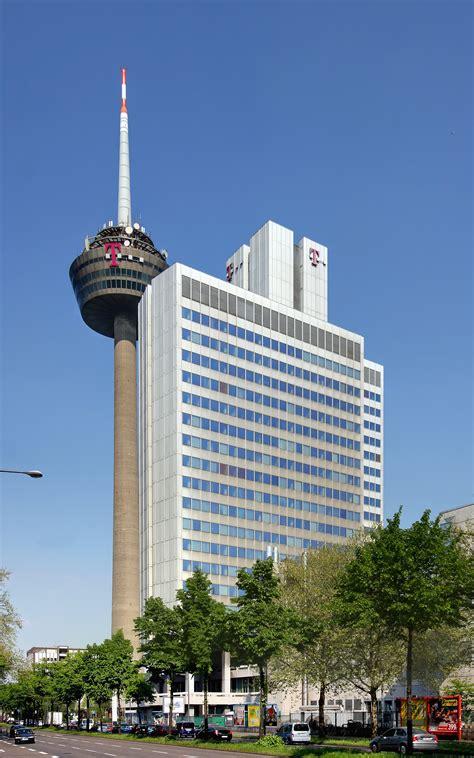 Moderne Häuser Köln by File Telekom Hochhaus Und Fernsehturm Colonius K 246 Ln 3861