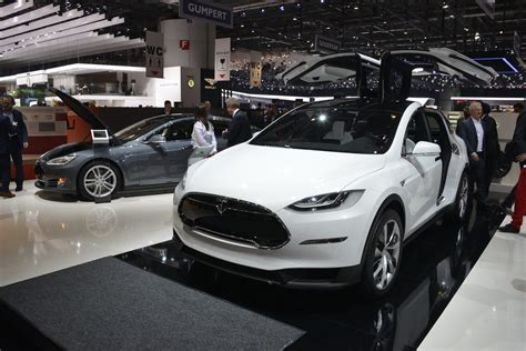 Tesla 2020 Sales by Stanley Cuts Tesla 2020 Sales Forecast By 40 Percent