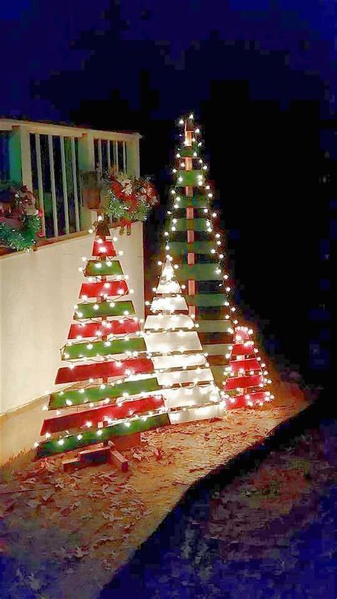 25 best ideas about pallet christmas tree on pinterest