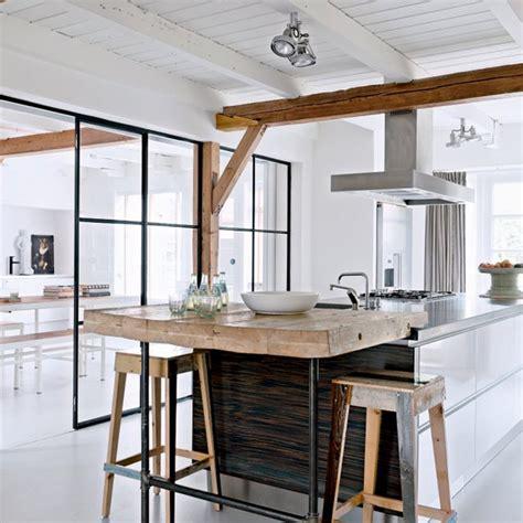 creer un bar dans une cuisine des idées pour créer une cuisine scandinave