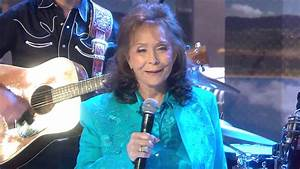 Loretta Lynn Performs 39Everybody Wants To Go To Heaven39 On