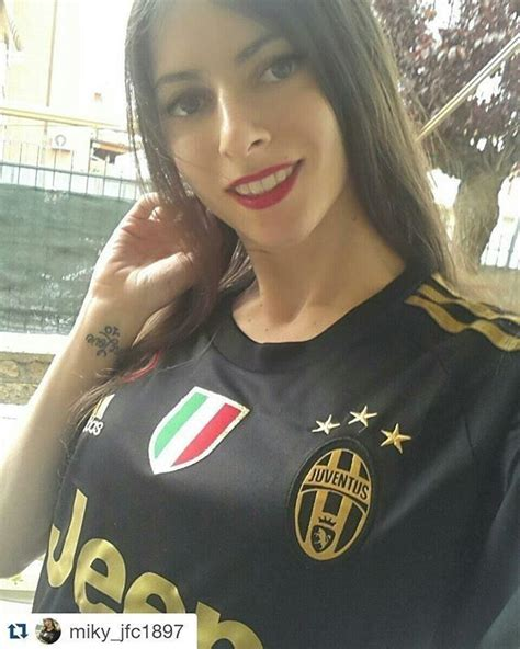 Pin by Mihaly on Juve | Soccer girl, Football girls, Hot ...