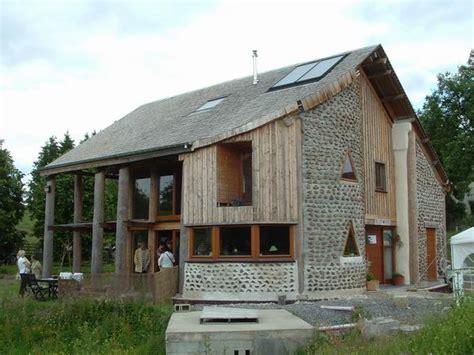 maison en bois corde bois corde mange des fleurs