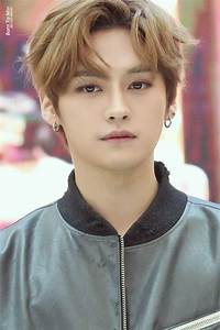 Handsome boy Mi... Minho Stray Kids