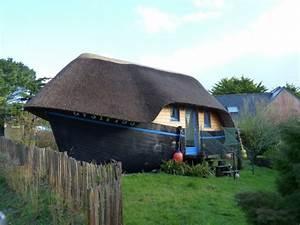 Dormir dans une coque de bateau une experience insolite for Chambre d hote crozon bateau