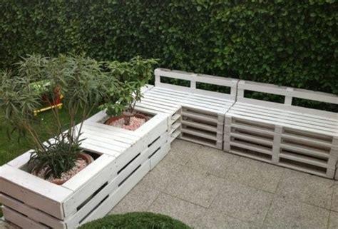 construire un canape avec des palettes 1001 idées pour fabriquer un banc en palette charmant