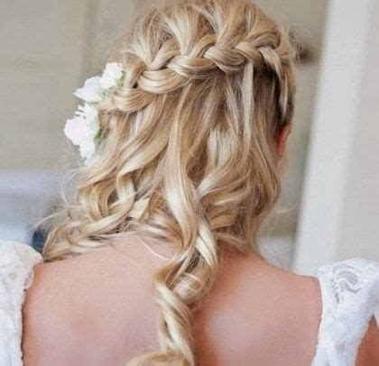 coiffure pour invitée mariage cheveux mi coiffure pour un mariage invit 233 cheveux mi