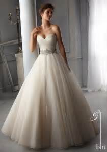 wedding dress finder how to choose the wedding dress
