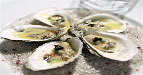 cuisiner des huitres huîtres pochées au four recettes chefs bouffes
