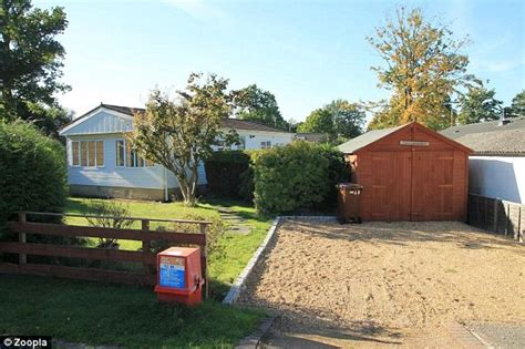 Mobile Garage Bracknell property prices of mobile homes reach 163 500k daily mail