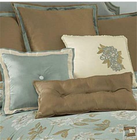 chris madden magnolia comforter  pc king