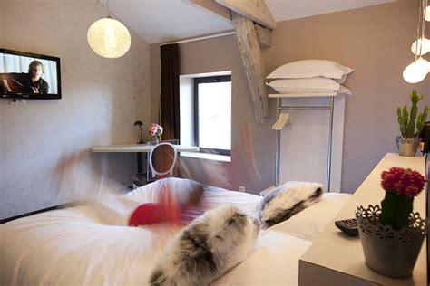 chambre theo et ines chambre privilège les fleurines hôtel