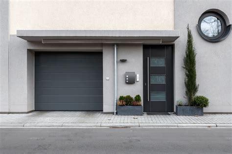 Die Richtige Haustuer Wichtig Sind Sicherheit Und Waermeschutz by Eingangst 252 R Kaufen Tipps Im Rumpfinger Fensterblog
