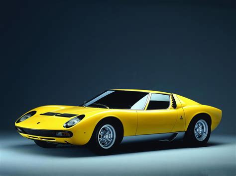 lamborghini background hd car wallpapers lamborghini miura wallpaper