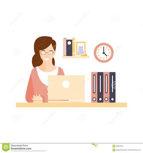 employe de bureau employé de bureau de sourire heureux de femme dans le