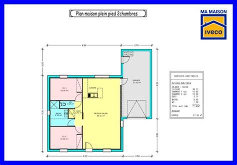 plan maison 2 chambres mobilier table plan maison plain pied 2 chambres garage