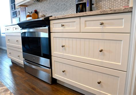Thermofoil Kitchen Cabinets by White Thermofoil Kitchen Traditional Kitchen Calgary