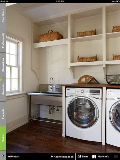 Laundry room, love the utility sink   Projects to Try