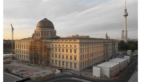 Kommentar zum Humboldt Forum: Das Kreuz auf der Kuppel ist ...