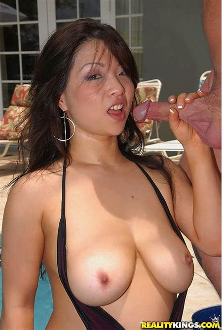 Busty asian MILF Mia Rider enjoys hardcore pounding in the pool - PornPics.com