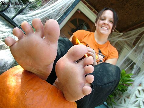 soles of silk february 2014