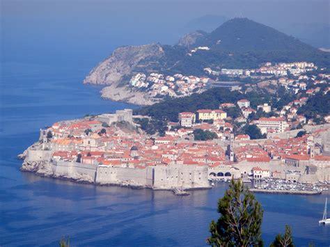 Climbing The Wall In Dubrovnik Croatia Where Are Sue
