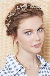 Ideas Of Hairstyle For Short Hairs On Party Occasions