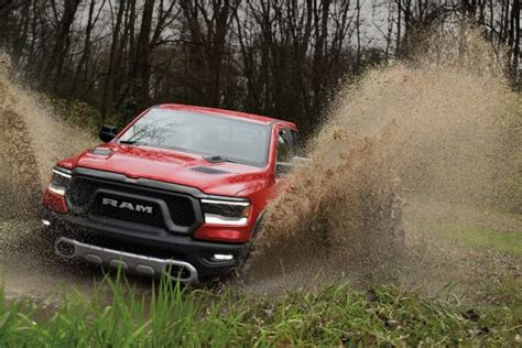 Ram 1500 Rebel (2019, Fifth Generation) Photos Between