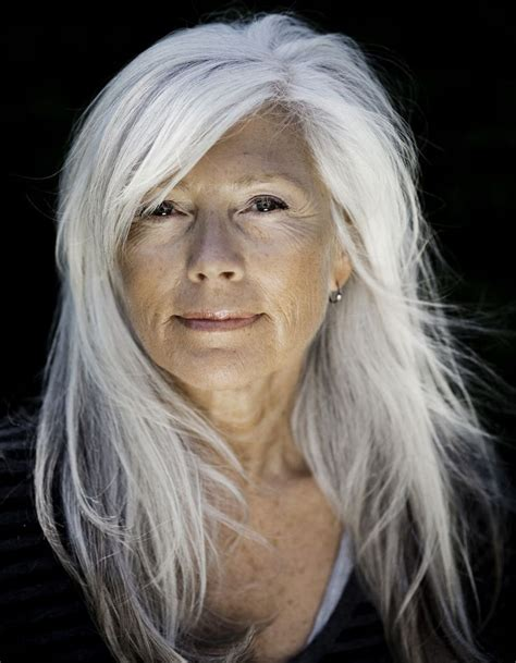 coupe cheveux ondulés cheveux longs blancs coiffure cheveux longs des coupes de cheveux longs pour un look canon