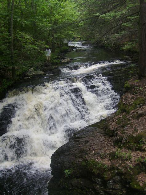 happily bushkill falls