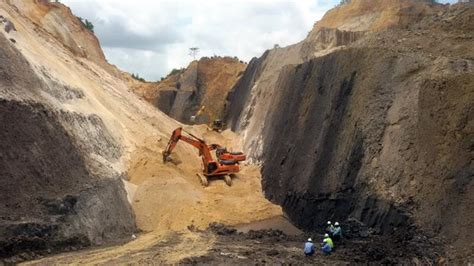 pekerja tambang batu bara tertimbun longsor tribunnewscom