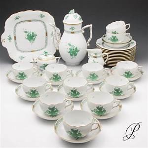 Kaffeeservice 12 Personen Günstig : kaffeeservice herend f r 12 personen apponyi gr n teile porzellan porcelain ~ Markanthonyermac.com Haus und Dekorationen