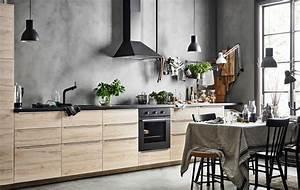 Küchen Ohne Hängeschränke : einzeilige k che mit einer reihe von unterschr nken die eschent ren haben dahinter eine graue ~ Eleganceandgraceweddings.com Haus und Dekorationen