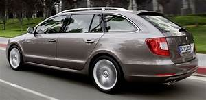 Vehicule Break : la skoda superb combi un break g ant partir de 20880 euros auto moins ~ Gottalentnigeria.com Avis de Voitures