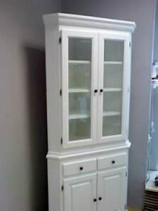 Eckschrank Weiß Hochglanz : massivholz vitrinenschrank kreutz landhaus magazin ~ Orissabook.com Haus und Dekorationen