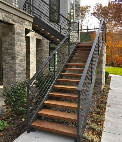 Escalier Exterieur Metal L Escalier Ext 233 Rieur En 57 Photos Qui Vous Feront R 234 Ver