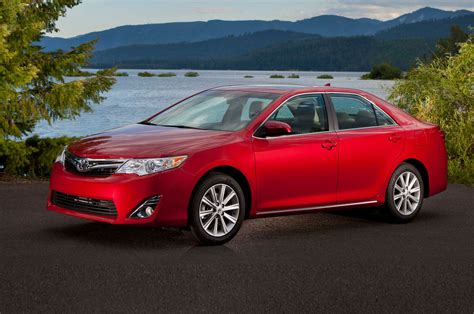 Toyota Camry Se 2014 by 2014 Toyota Camry Se Three Quarters Drivers View Photo 26