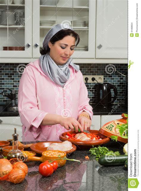 maroc cuisine traditionnel nourriture traditionnelle de cuisine moderne images stock