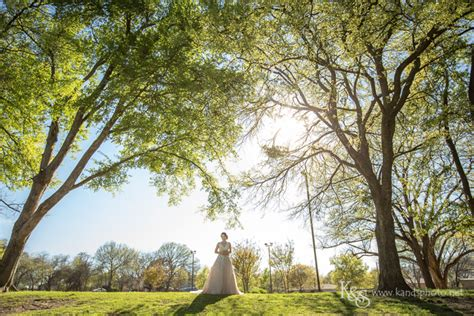 s bridals portraits at grapevine botanical gardens