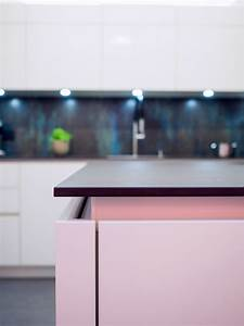 Küche Weiß Hochglanz Grifflos : grifflose wei e k che hochglanz mit dekton arbeitsplatte bora kochfeld mit induktionswok und ~ Eleganceandgraceweddings.com Haus und Dekorationen