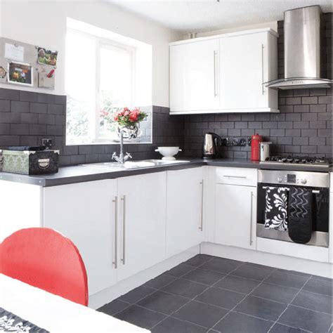 colors for the kitchen cocinas en blanco y negro una interesante alternativa 5584
