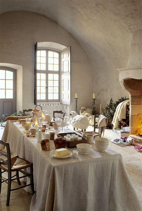 chemin馥 cuisine ancienne les 25 meilleures idées de la catégorie cheminées rustiques sur manteaux de cheminée rustiques manteau rustique et cheminées