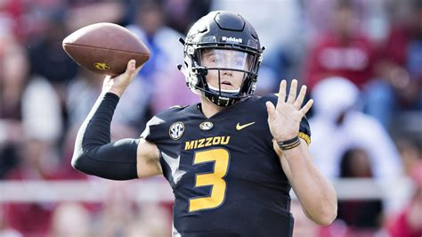broncos drew lock avoids holdout signs rookie contract