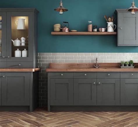 peinture cuisine bleu cuisine bleu canard et bois pour se plonger dans dynamisme