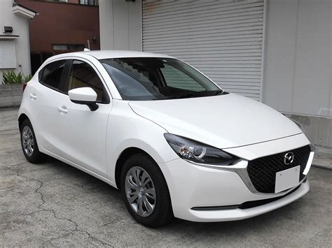Mazda2 has been designed to look beautiful from any angle, taking a 'less is more' approach that conveys a sense of quality and elegance well above its peers. MAZDA2にアイストキャンセラー、マツダコネクト専用モニタ保護フィルムが適合 | 株式会社ワントップ