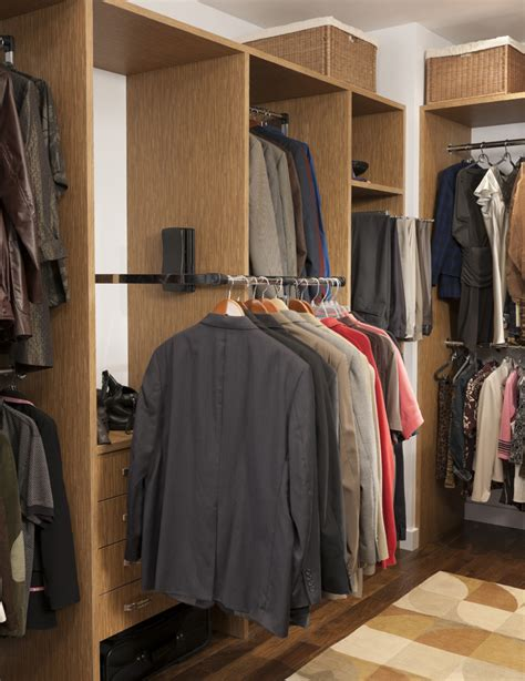 seven tips to create a walk in closet