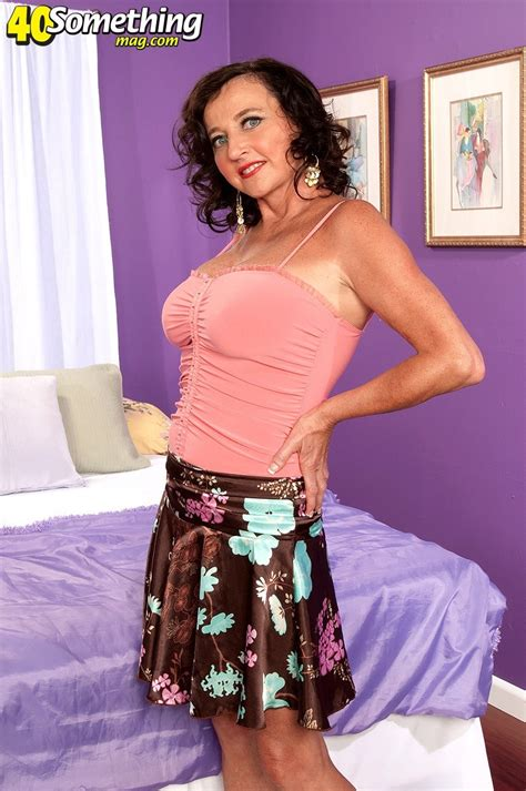 Wife Country Club 40 Something Mag 16 Pics