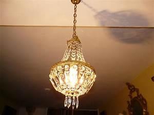 Lustre Pampilles Cristal : lustre montgolfi re lustre cristal ~ Teatrodelosmanantiales.com Idées de Décoration