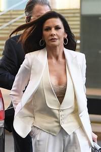 CATHERINE ZETA JONES Leaves Her Apartment in New York 04 ...