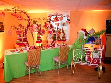 grinch inspired table  bellas blooms   classic